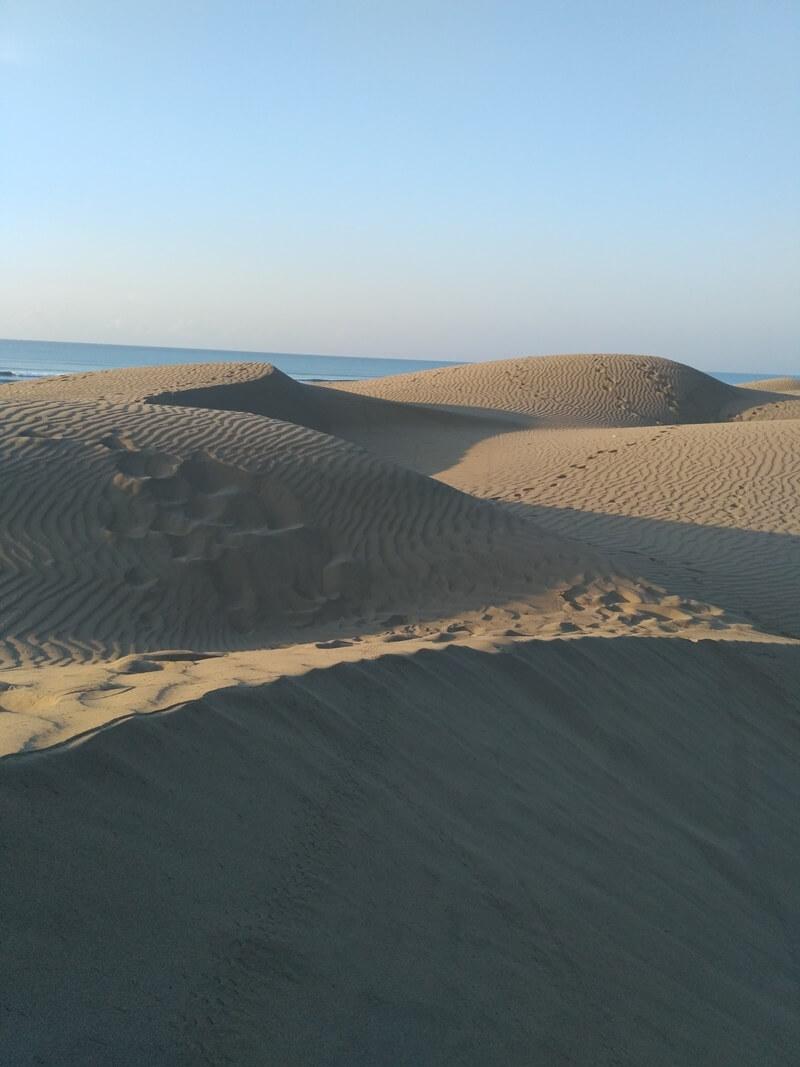 pesona gurun pasir dan pantai di oetune